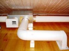 Вентиляция в ванной комнате в деревянном доме