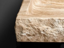 Каменные умывальники из природного травертина