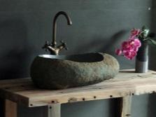 Каменный умывальник в ванную