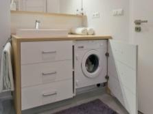 Достоинства мебели для ванной со встраиваемой стиральной машиной