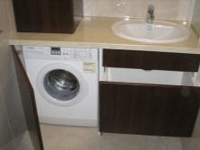 Встраиваемая мебель для ванной со стиральной машиной на заказ
