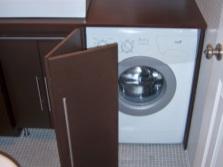 Плюсы встраиваемой мебели для ванной со стиральной машиной