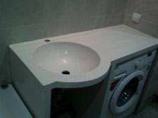Умывальник из композита в ванную комнату