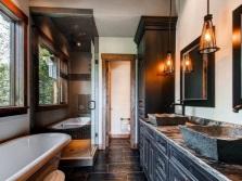 Раковины из искусственного камня в интерьере ванной