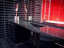 Дизайн ванной с раковиной из искусственного камня