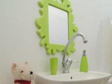 Зеркало для детской ванной комнаты