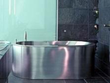 Плюсы металлической ванны