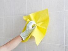 Рекомендации по очистке плитки в ванной