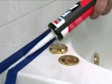 Применение силиконового герметика в ванной