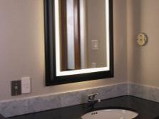 Советы по выбору светильников для зеркала в ванной