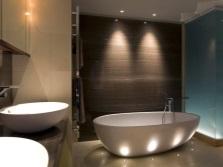 Расположение встроенных светильников в ванной комнате
