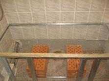 Этапы работ крепления ванны