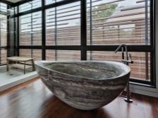 Дизайн интерьера ванной комнаты с ванной овальной формы