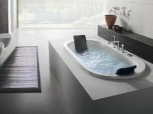 Размещение овальной ванны в ванной комнате