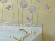 Украшение стен ванной росписью без трафарета
