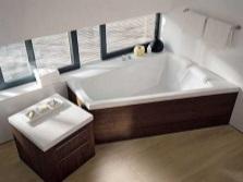 Размещение треугольной ванны