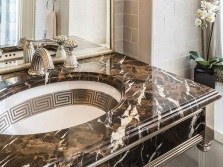 Мраморная столешница в ванной греческом стиле