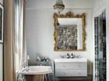 Ванна на ножках в ванной в стиле барокко