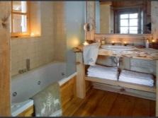 Свечи с ванной комнате в стиле шале