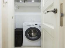 Шкаф кладовка для стиральной машины в ванной