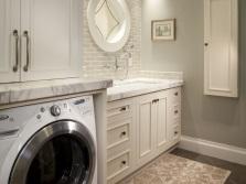 Шкаф открытый для стиральной машины в ванной