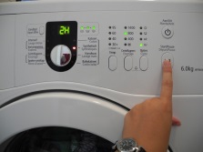 Остановка стирки и разблокировка люка на стиральных машинах Electrolux или AEG при помощи кнопки Пауза