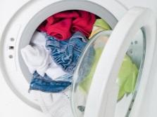 Переполненная стиральная машина одна из причин шумной работы при отжиме