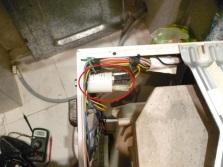 Если стиральная машина стучит при отжиме или стирке необходимо проверить сетевой фильтр