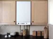 бездымоходная колонка, встроенная в кухонный гарнитур