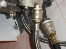 Монтаж водопровода к газовой колонке