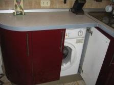 стиральная машина, встроенная в шкаф