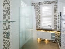 дизайн ванной комнаты белой с черным