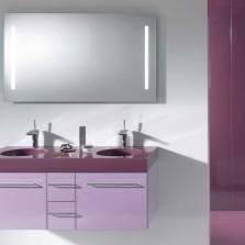 Сиреневая мебель в ванной