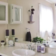 Ограниченное и необходимое количество аксессуаров для ванной