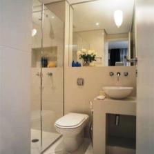 Душевая кабина для ванны маленького размера