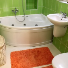 Совмещение маленькой ванны с санузлом