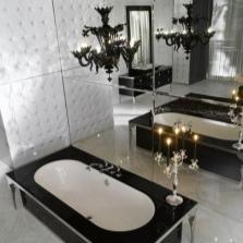 Стена в ванной полностью олицованная зеркалом