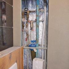 Короб из гипсокартона, проём для сантехнического лючка невидимки в ванной своими руками
