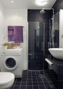 Идея маленькой ванной комнаты с душевой кабиной без поддона