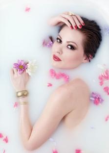 Ванна Клеопатры с розами