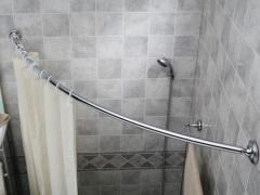 Угловая штанга для шторки в ванную