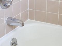 Герметизация ванны со стеной