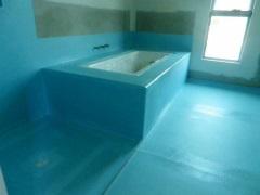 Гидроизоляция ванной комнаты под плитку: что лучше выбрать