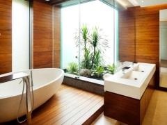 Плитка под дерево в дизайне ванной комнаты