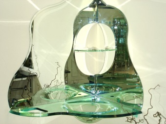 Стеклянная угловая раковина с зеркалом
