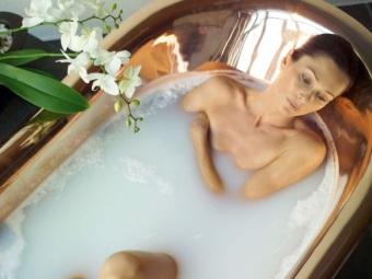 Молочная ванна Клеопатры для похудения