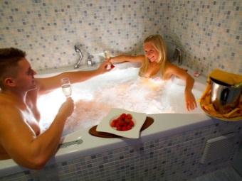 Романтическая ванна для двоих