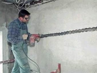 Штробление стен под проводку
