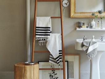 Лестница для полотенец в ванной