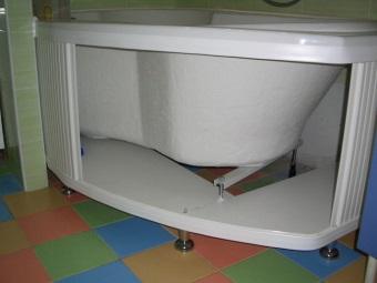 Раздвижной экран под ассиметричную ванну